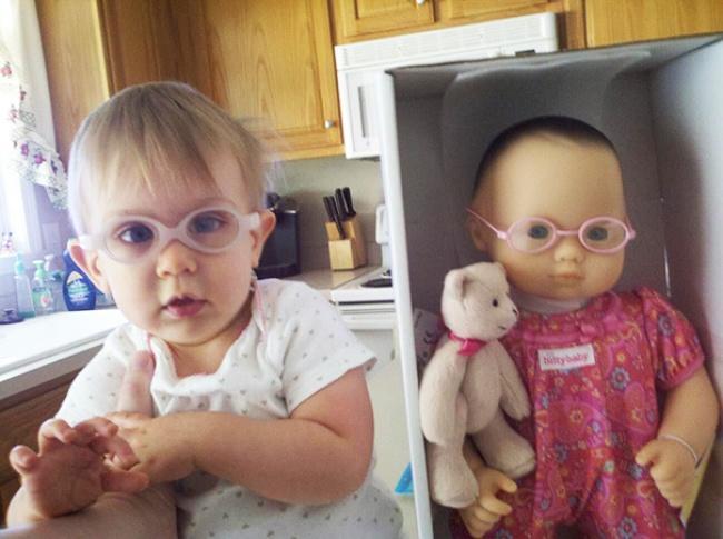 Kinderen die op hun pop lijken 6 - De digitale salon
